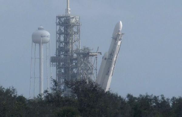 Falcon heavy plataforma lanzamiento