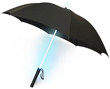 Un caballero Jedi siempre se protege del poder de la lluvia