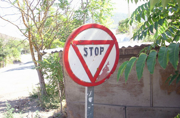 Prohibido-Ceda-Stop