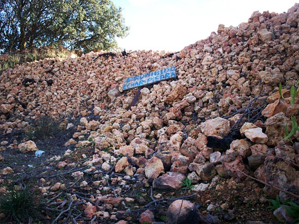 Prohibido-Echar-Piedras